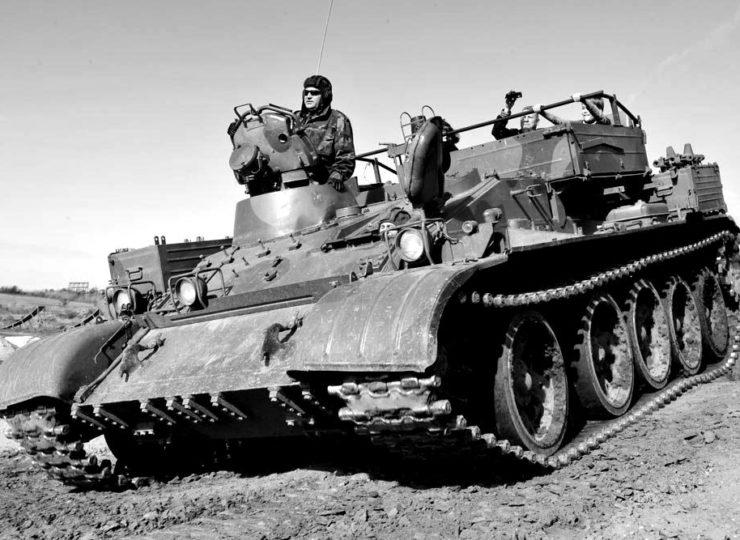 gelaendemitfahrt-panzer-t55-blackwhite